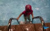 day bơi cho trẻ để bé tự tin hơcan